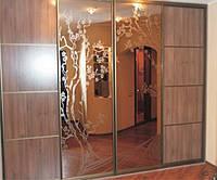 Встроенный шкафы-купе  с зеркалами