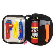 KM2005-302 Набор инструментов   топор, ключ, нож, огнетушитель, в сумке, 14-22-6см