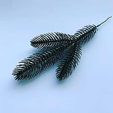 Веточка ели зелёная. Еловая ветка для новогоднего декора ( 27 см ), фото 3
