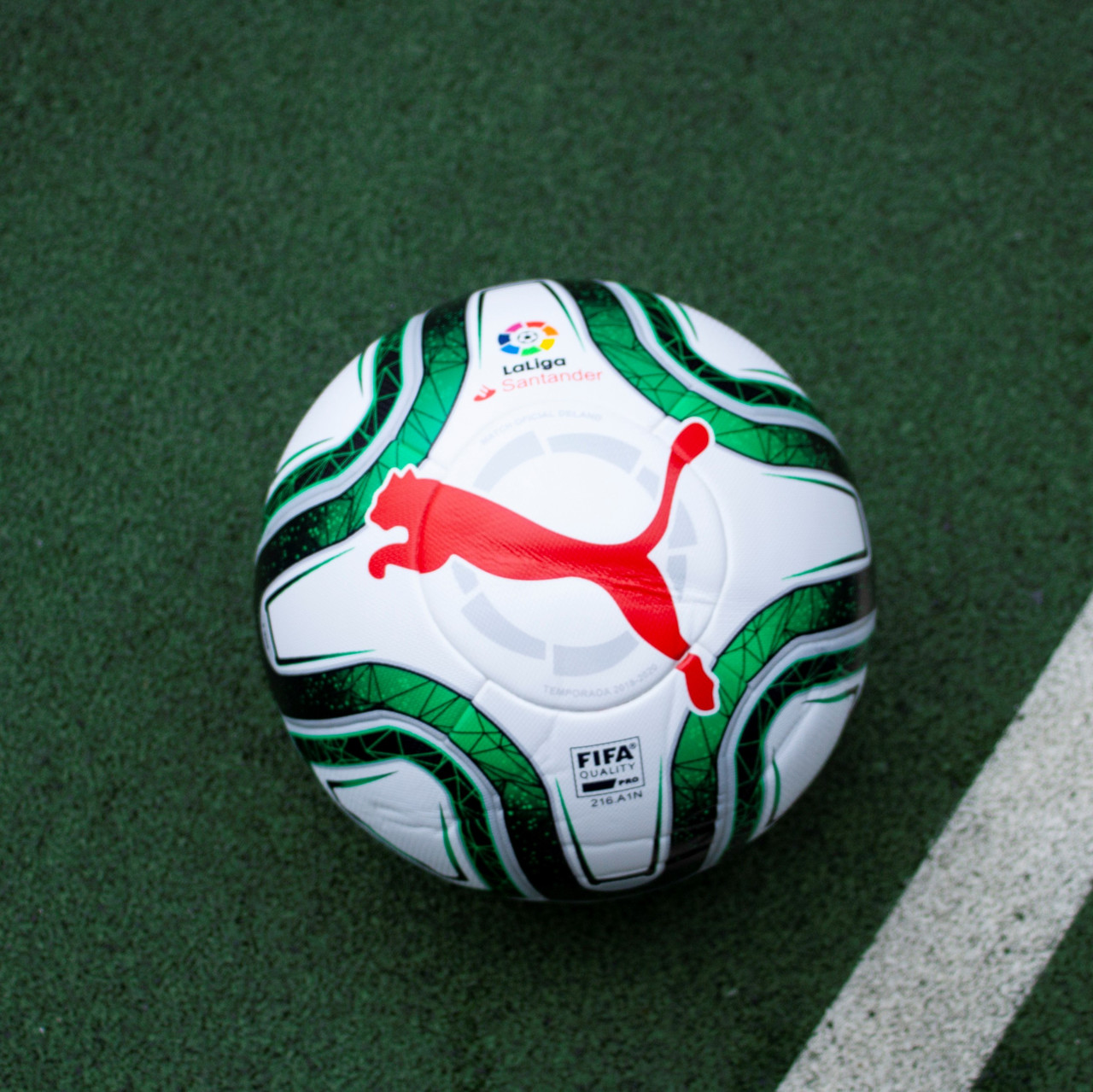 Футбольний м'яч Puma LaLiga 1 FIFA Quality Pro 01