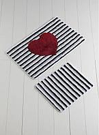 Набор ковриков  для ванной комнаты ALESSIA набор (2 предмета). Черно-белая полоска с сердцем