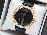Жіночий кварцевий наручний годинник Gucci (Гуччі) на шкіряному ремінці, золоті з чорним - код 1609, фото 1
