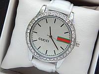 Жіночий кварцевий наручний годинник Gucci (Гуччі) на білому шкіряному ремінці, срібло з білим - код 1617, фото 1