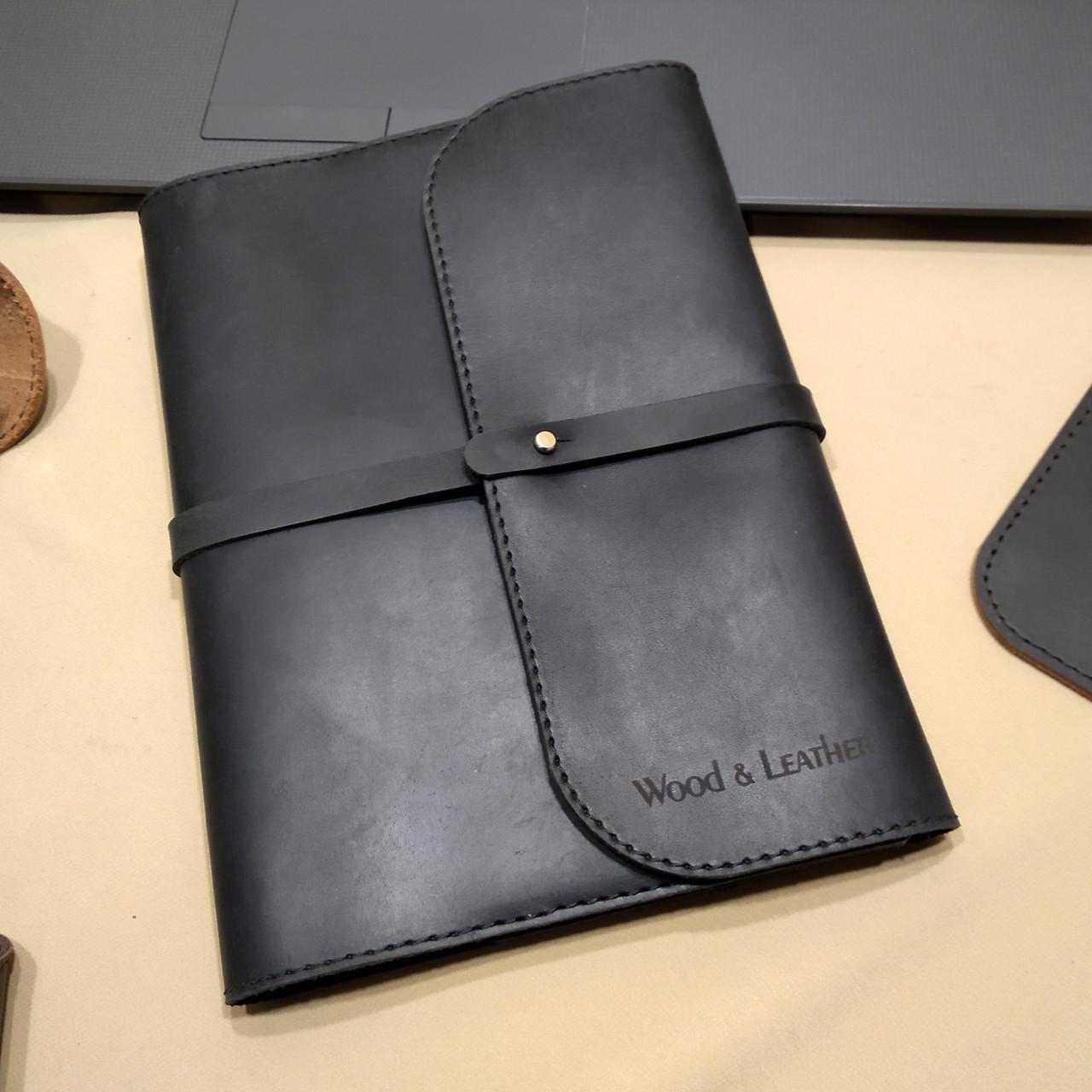 Кожаный блокнот M. Софтбук А5. Ежедневник с кожаной обложкой. Лазерная гравировка логотипа
