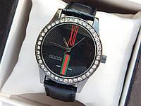 Женские кварцевые наручные часы  Gucci (Гуччи) на кожаном ремешке, черные - код 1618, фото 1