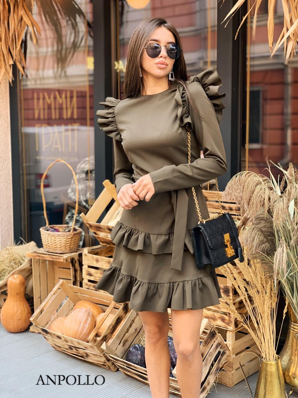 Ангоровое платье с рюшами на плечах и двойной юбкой в оборках 17plt322