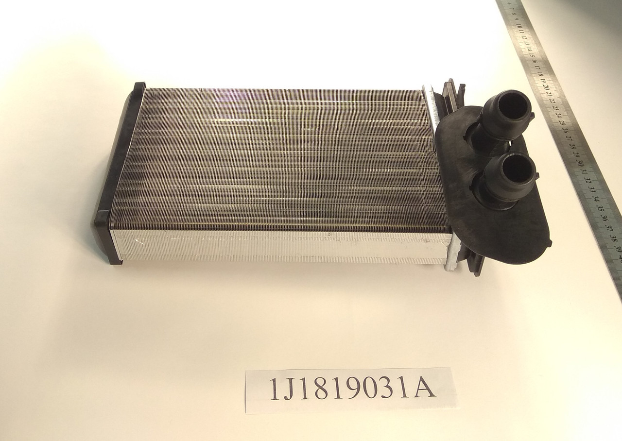 Радиатор печки Volkswagen Golf 4 (1.6-2.0) 234*157мм по сотах KEMP