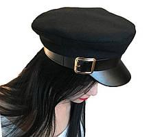 Женское кепи с козырьком в черном цвете