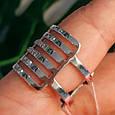 Женское широкое серебряное кольцо с фианитами 21 размер, фото 3