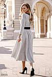 Трикотажное платье миди с поясом серое, фото 4