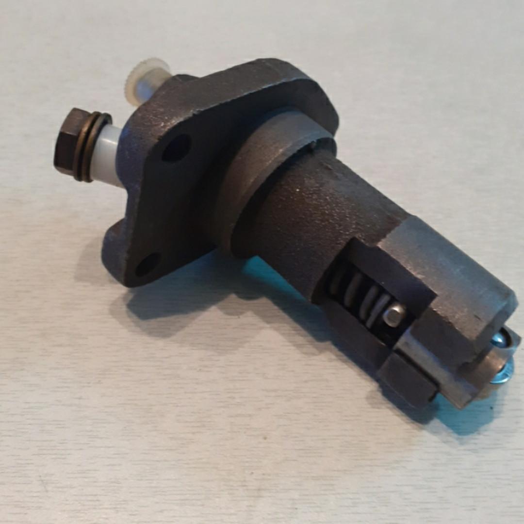 Топливный насос с плунжером - 7,5 мм