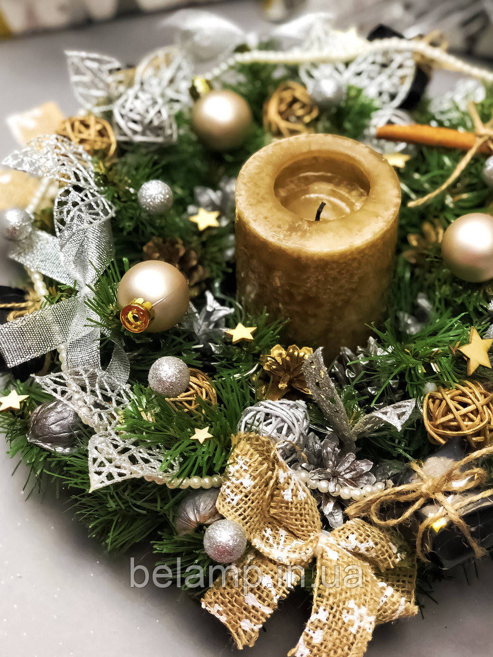 Рождественский веночек с гирляндой от батареек «Нежность зимы»