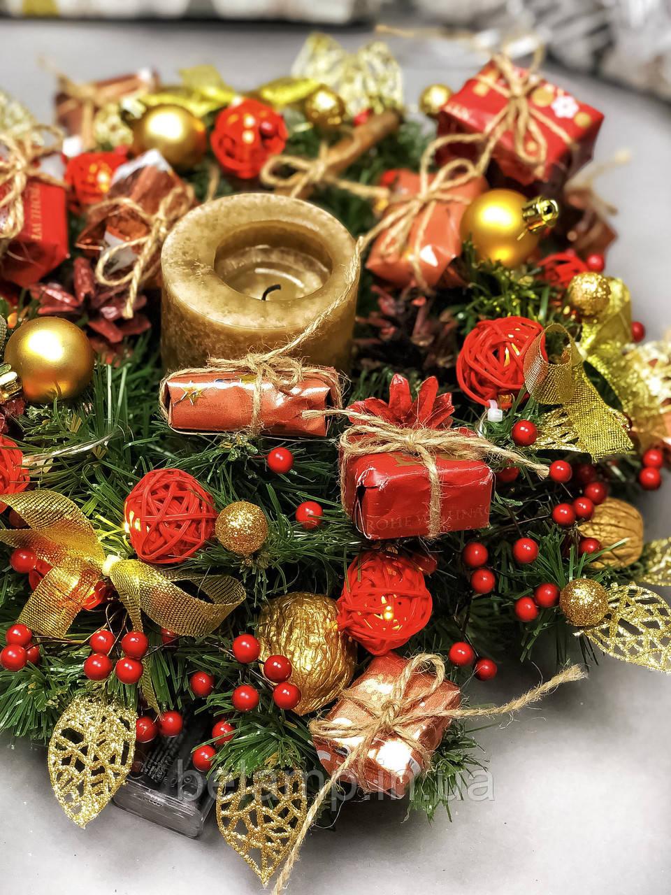 Рождественский венок с гирляндой от батареек «Яркие моменты»