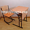 Парта и стол растущие на металлокаркасе.