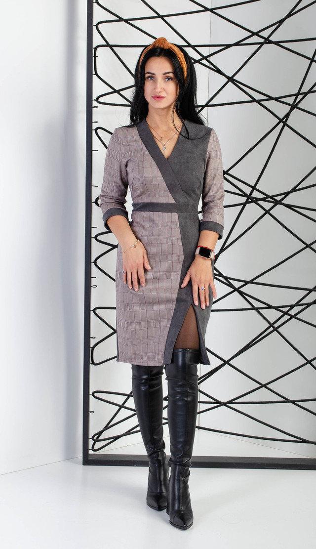 Комбинированное женское платье с разрезом: серый с клеткой