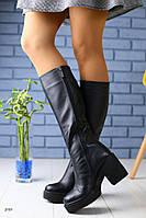 Зимние кожаные сапоги черные на удобном каблуке полный мех