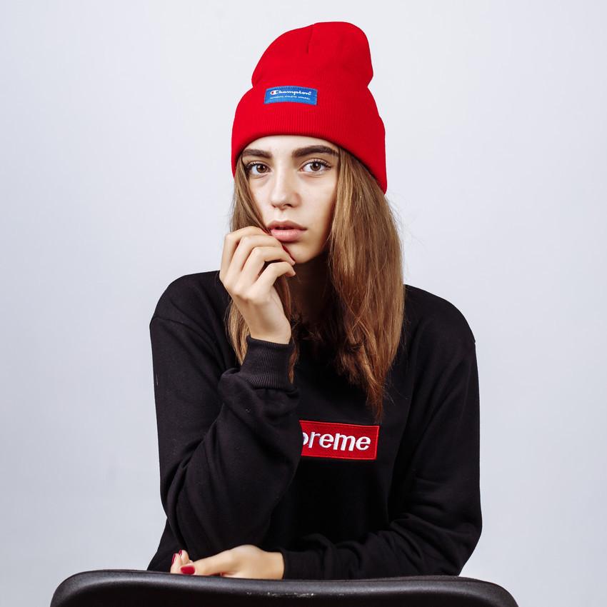 Женская шапка в стиле Champion зимняя / демисезонная