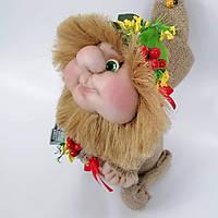 Кукла оберег Домовой с деньгами и ягодками желто-красный декор