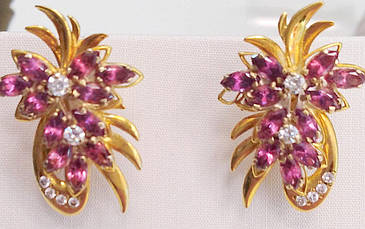 Золотые серьги с бриллиантами и родолитом 326