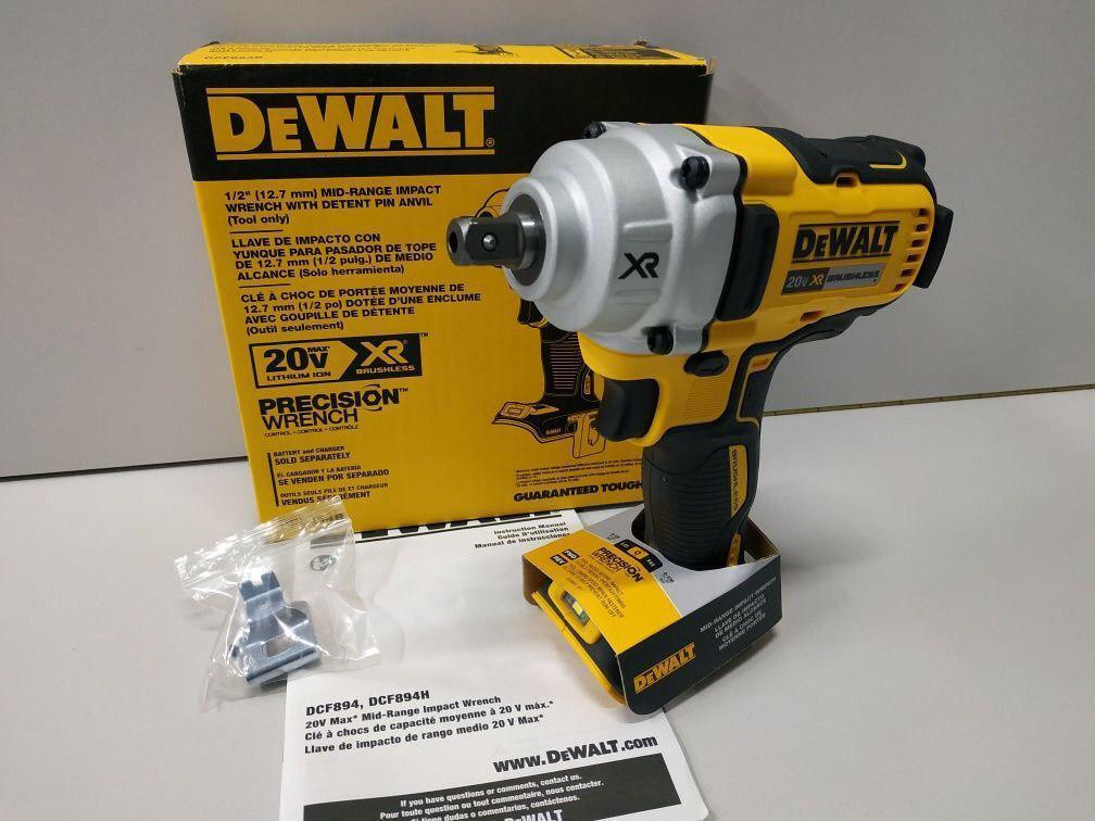 Бесщеточный ударный гайковерт Dewalt DCF894 449 Нм 20 В 3100 уд/мин