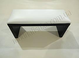 Маникюрная подставка для рук (Подлокотник) белого цвета на черных ножках