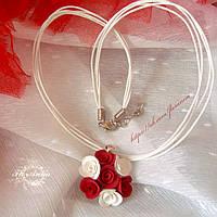 """""""Бело-красные розы"""" кулон с цветами ручной работы, фото 1"""