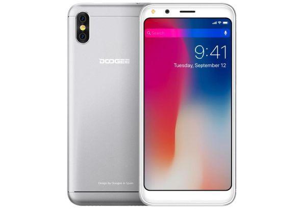 Смартфон на 2 сим карты с двойной камерой 5,3 дюймов 1/16Gb Doogee X53 серебристый