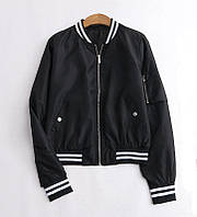 Демисезонная женская куртка бомбер черная