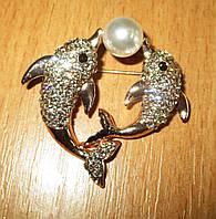 Яркая брошь- дельфины с жемчужиной от студии LadyStyle.Biz, фото 1