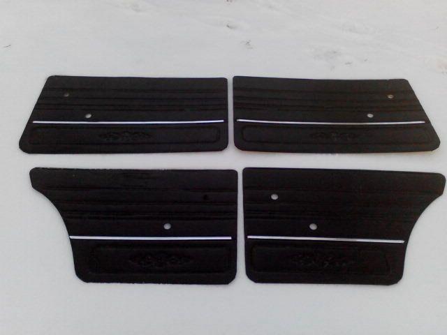Карты дверей ВАЗ 2106 (2101-2107) дермантин (завод.) с молдингом (черные)