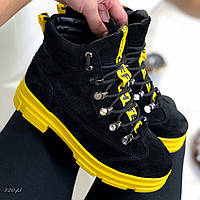 Женские черные зимние ботинки на массивной желтой подошве из натуральной замши Off White на меху 36