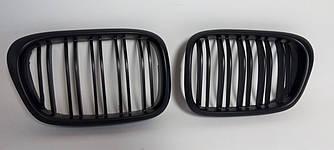 Решетки радиатора ноздри BMW E39 стиль M5 (матовые)