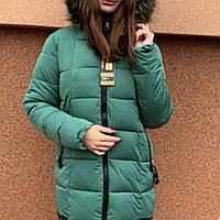 Куртка зимняя молодежная длинная с искусственным мехом.