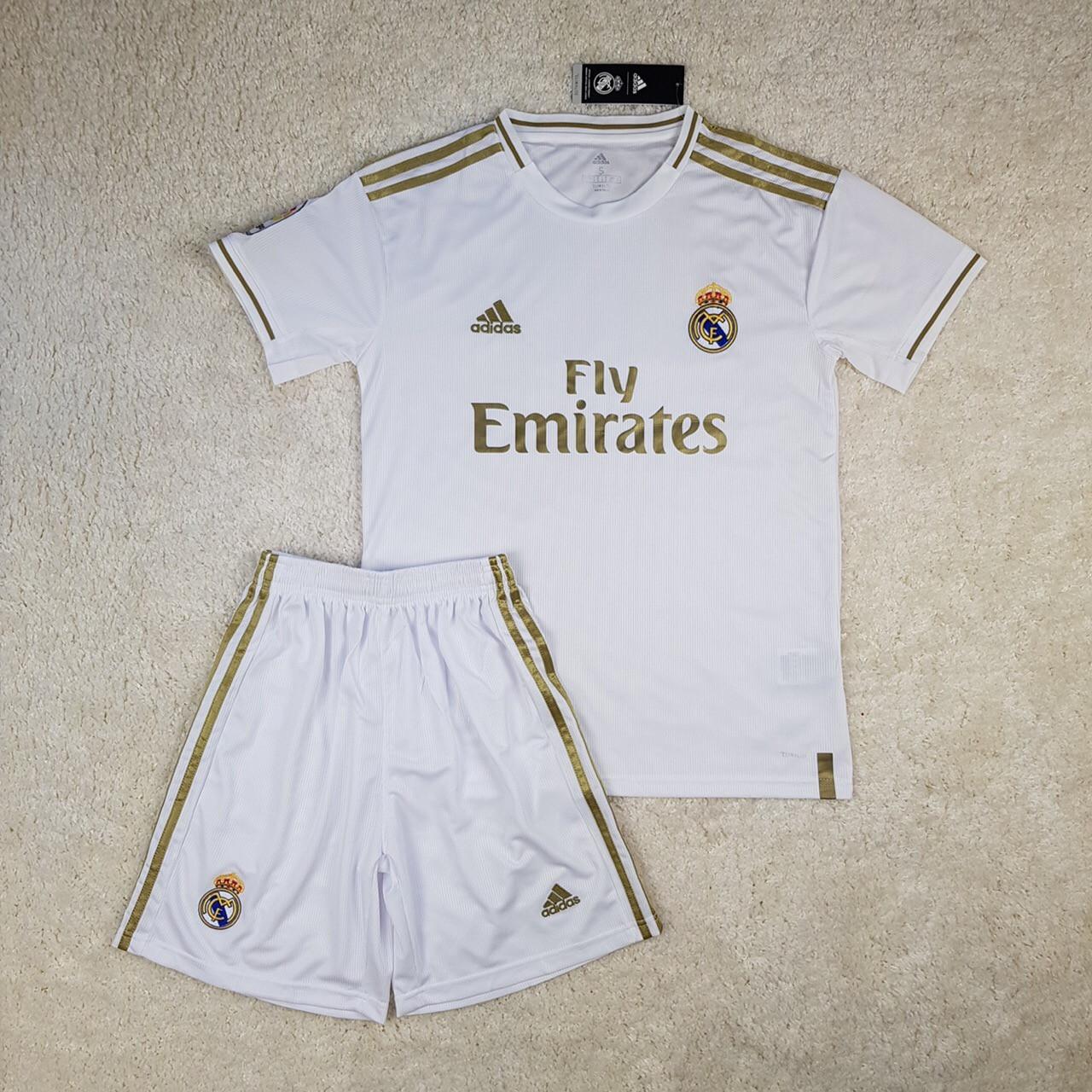 Футбольна форма Real Madrid 2019-2020