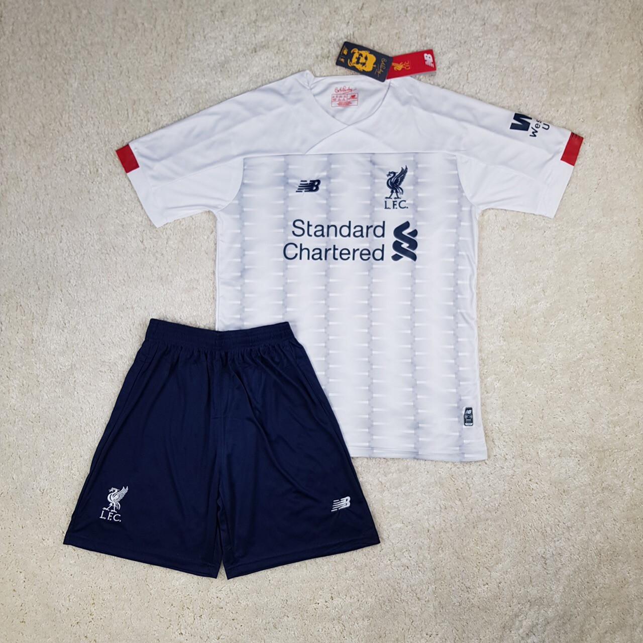 Футбольная форма Liverpool 2019-2020