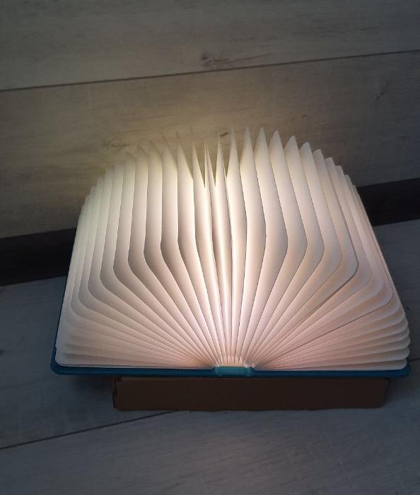 Оригінальний паперовий LED світильник -нічник Книга