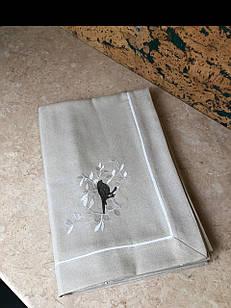 Скатерть для стола серая с вышивкой