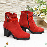 Ботинки женские замшевые красного цвета, на широком каблуке