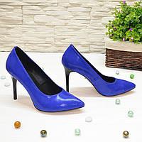 Туфли женские замшевые на шпильке, цвет электрик