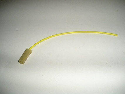 Фишка (разъем проводки) с проводом  (МИКРО)  1-местн. внутренн. (мама)