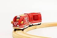 BRIO World АКСЕССУАРЫ ТРАНСПОРТ Пассажирский поезд с USB подзарядкой, вагоном и машинистом 33746, фото 2