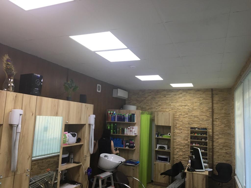 Отопление парикмахерской г. Киев обогревателями Business-500  в подвесной потолок  Армстронг