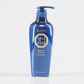 Тонизирующий шампунь для жирных волос Daeng Gi Meo Ri Chung Eun Shampoo For Oily Scalp 500 мл (8807779084697)