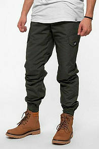Утепленные штаны джоггеры защитного цвета