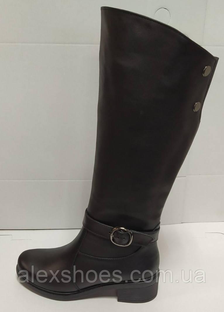 Сапоги высокие из натуральной кожи на низком каблуке от производителя модель РБ073ОК