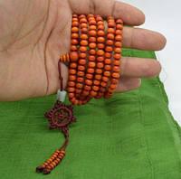 Четки из красного сандалового дерева216 бусин оранжевые