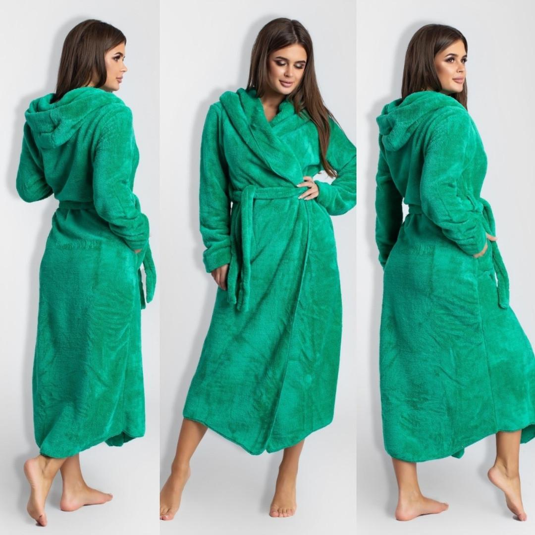Довгий теплий халат з капюшоном