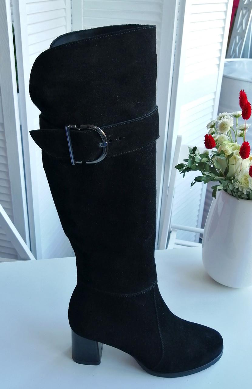 Жіночі замшеві чоботи на підборах лаковому