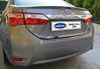 Toyota Corolla (2013-) Кромка крышки багажника нижняя