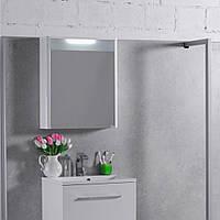Зеркальный навесной шкафчик с подсветкой